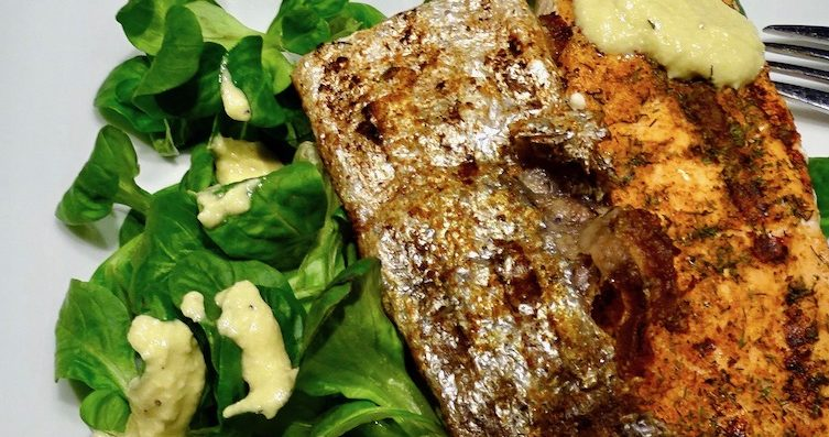 Crispy Salmon Salad with Garlic Dressing